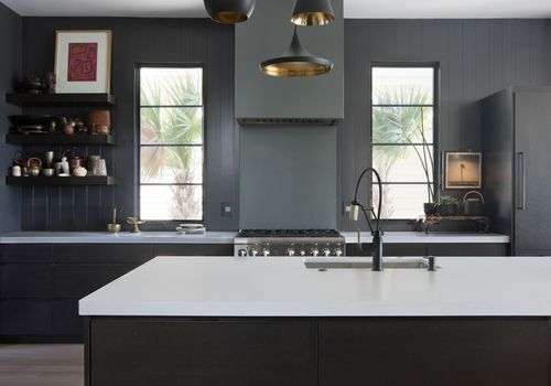 black kitchen trend