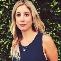 Amanda Lauren headshot, contributing writer for MyDomaine