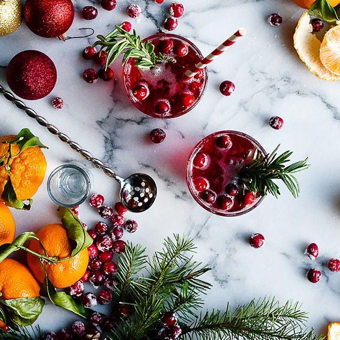 Easy Holiday Cocktails - Cóctel de cítricos y arándanos con infusión de romero