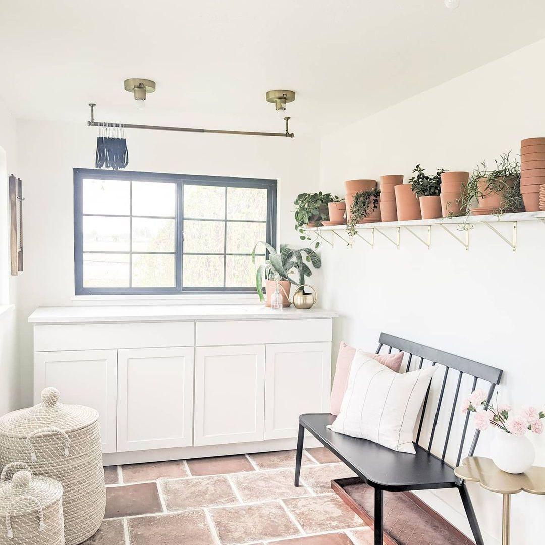 Shelf with planters