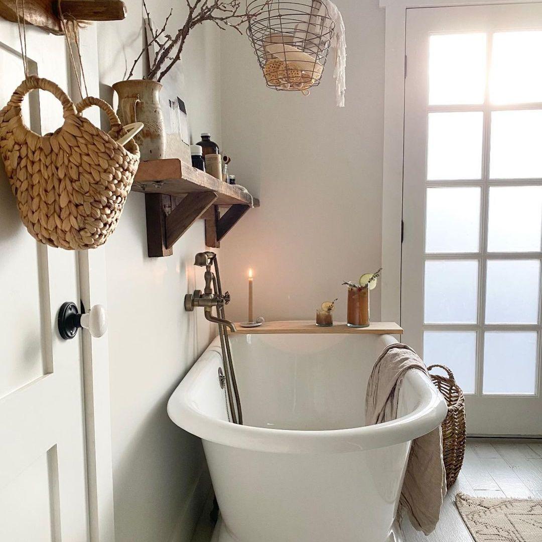 White Scandi bathroom