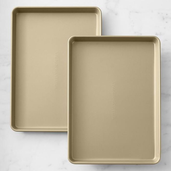 Goldtouch(R) Non-Corrugated Half Sheet Pan