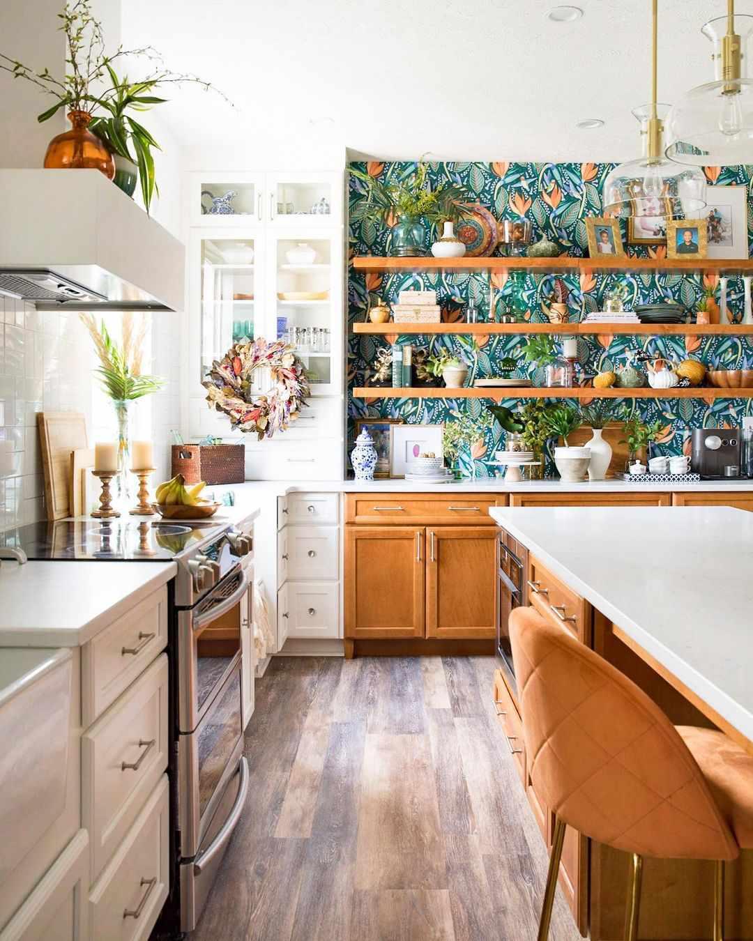Wallpaper in kitchen