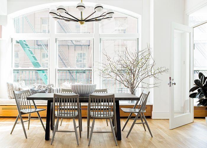 Modern Manhattan apartment dining room