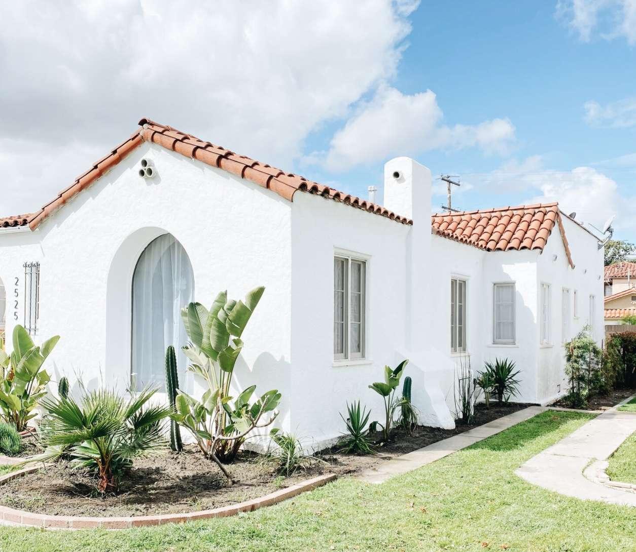 blanco bungalow turquoise and tobacco walkway