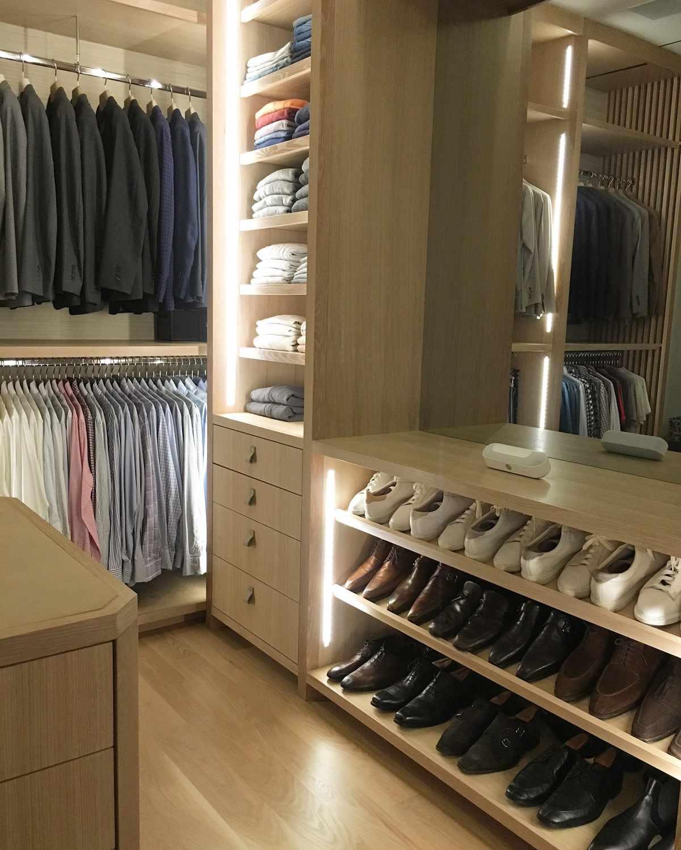 strip lighting closet