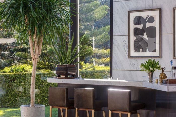 Ellen Degeneres Beverly Hills Home   Bar