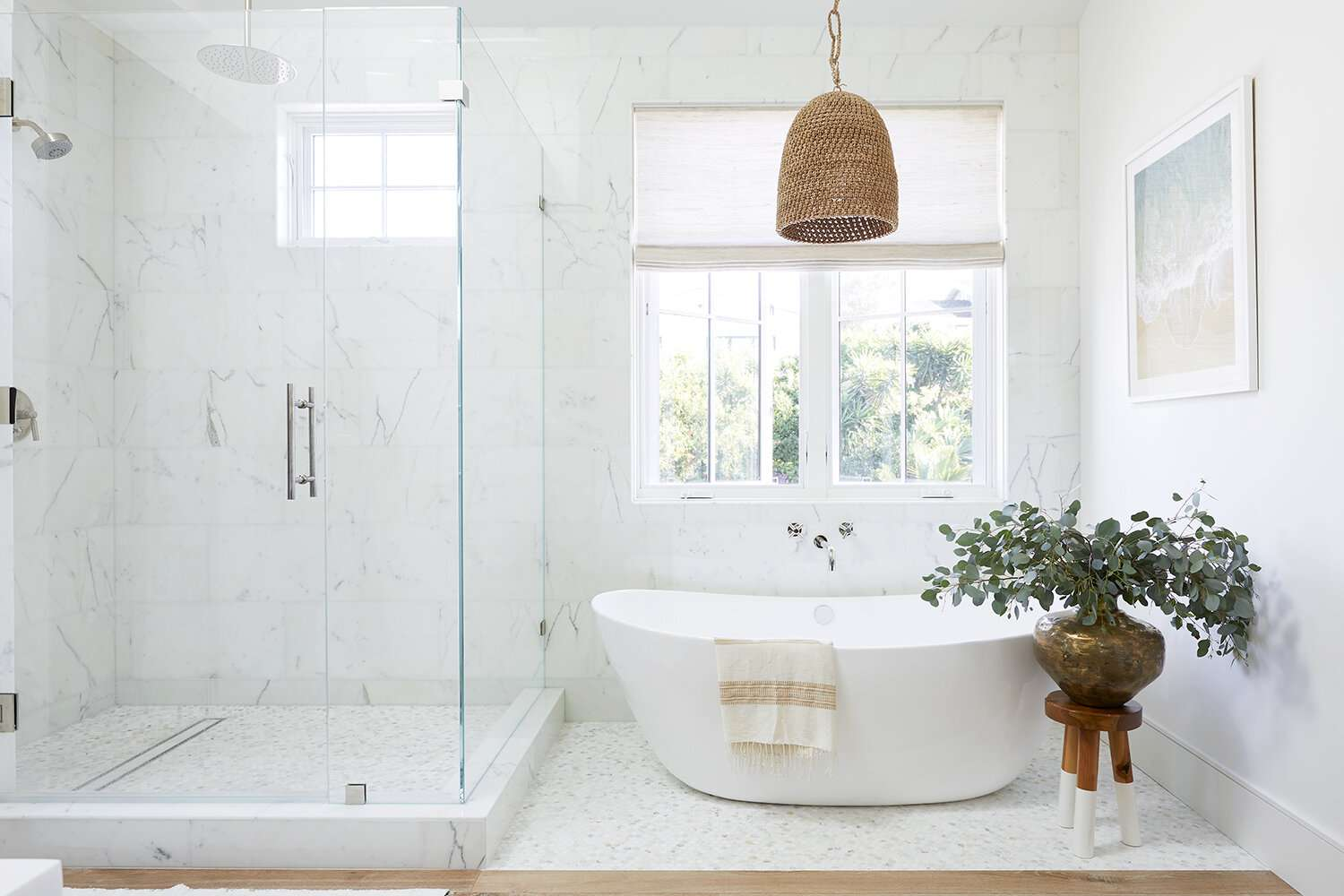 Bright, modern bathroom with earthy touches