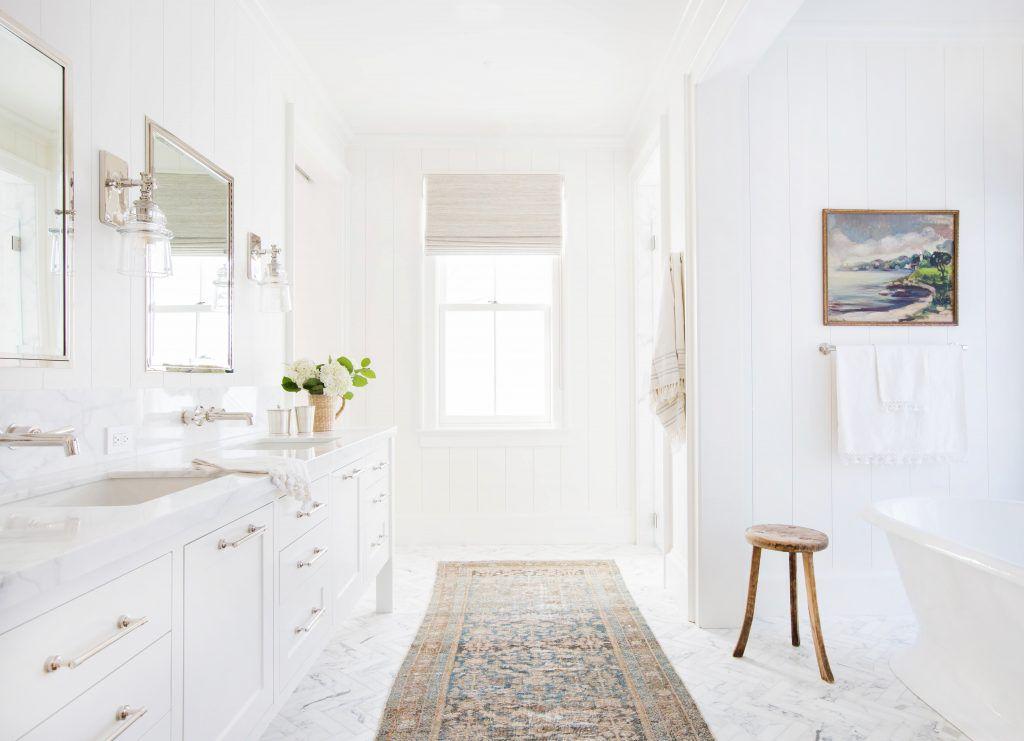 baño blanco en california