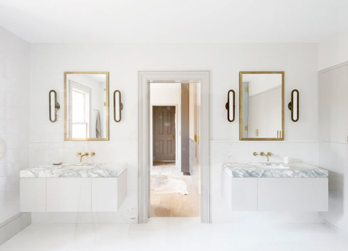 How to Decorate a Minimal Bathroom