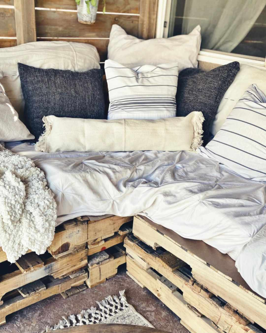Couch made from outdoor pallets