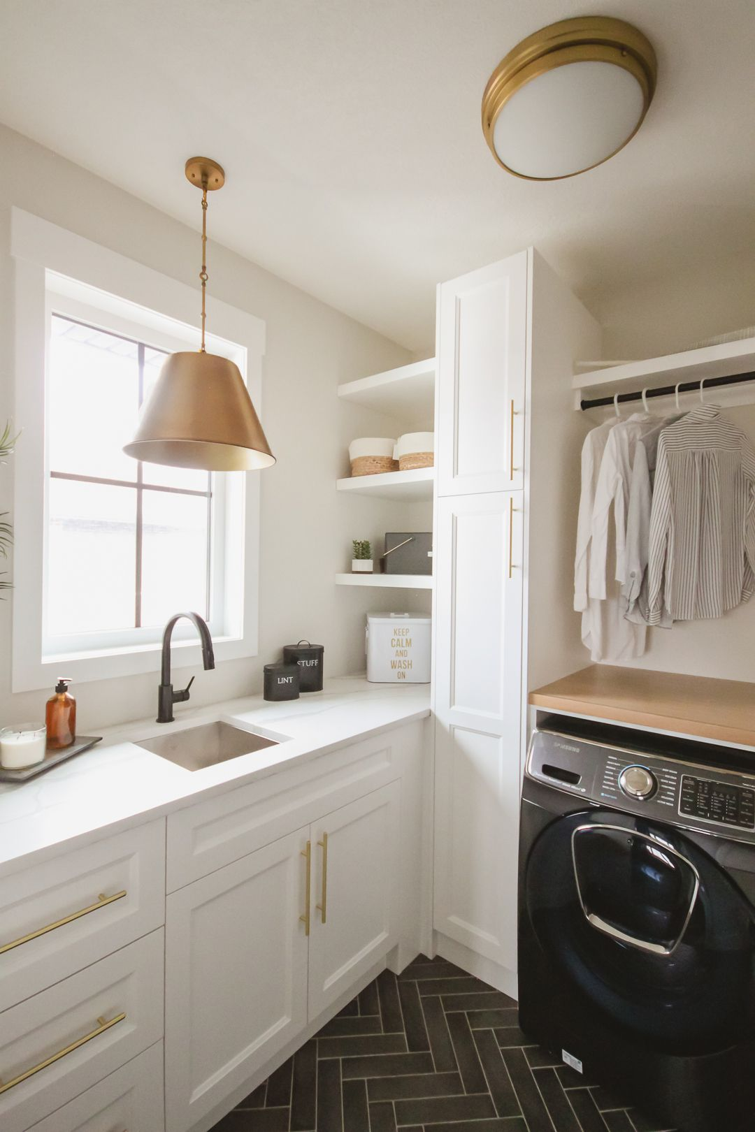 10 Best Laundry Room Paint Colors To Make Chores More Fun