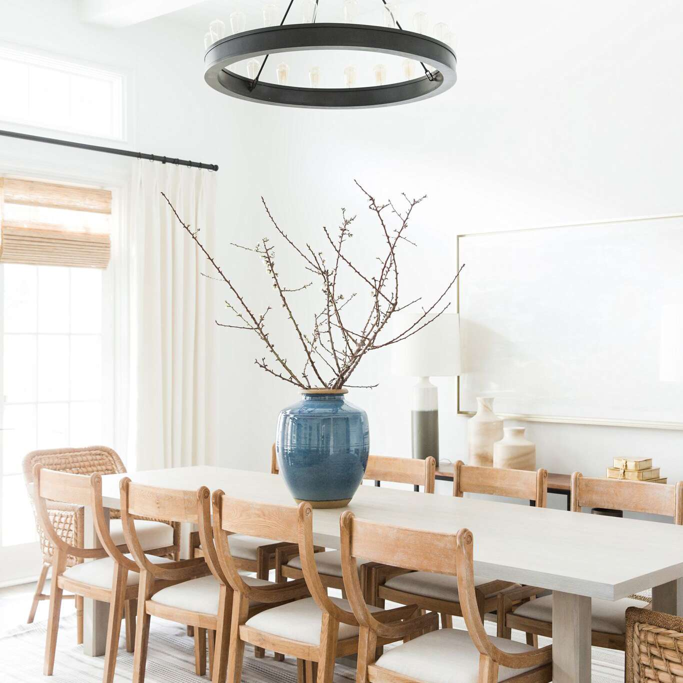 20 Modern Farmhouse Dining Rooms That Will Transport You To The Countryside