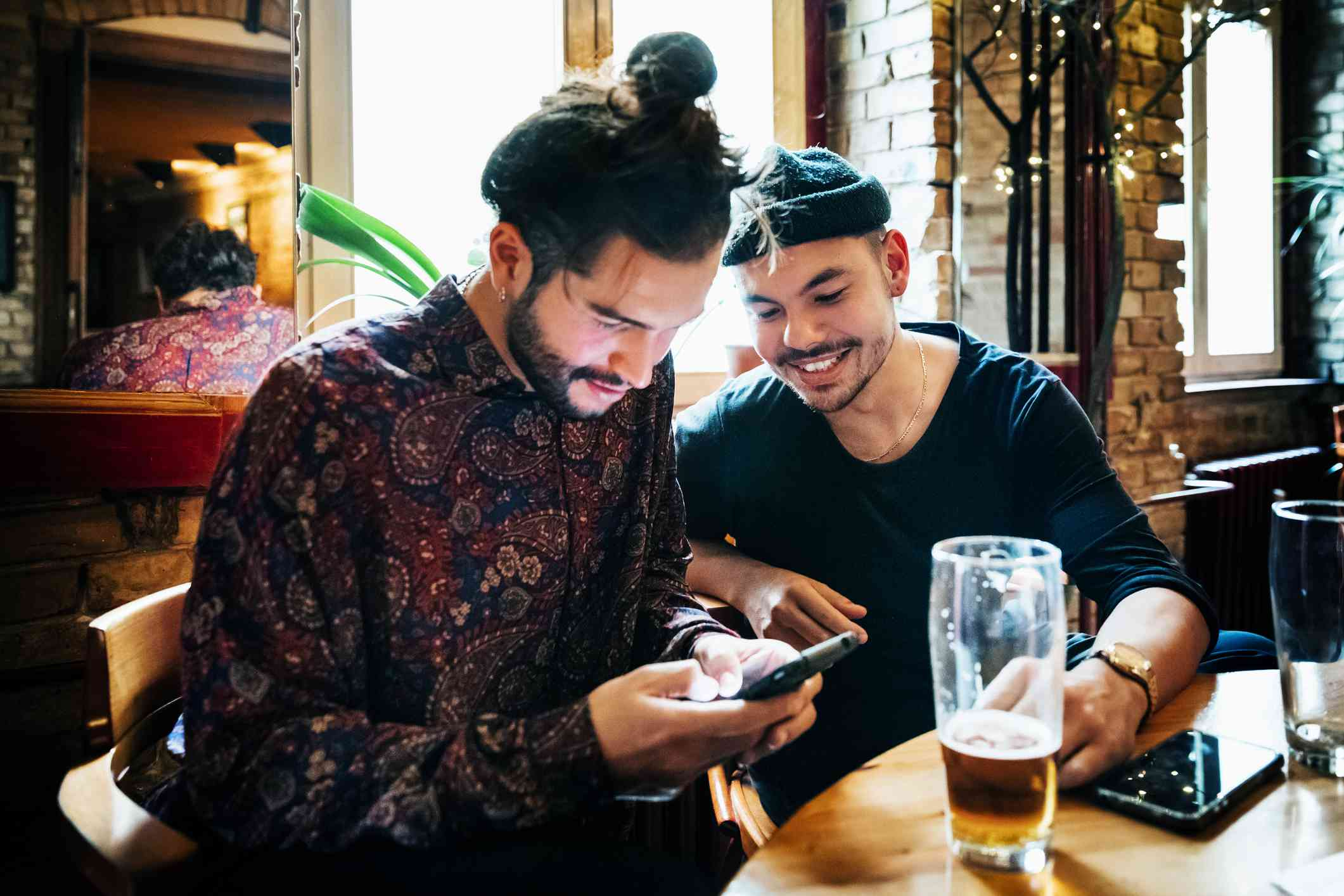 Conversation Starters for Texting That Go Beyond