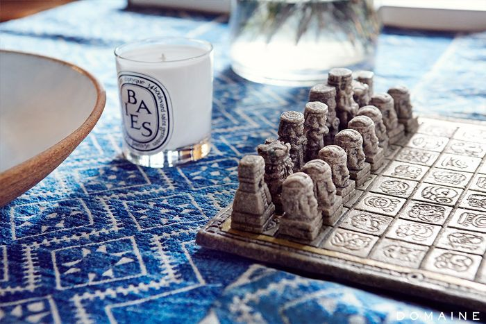 chess set table decor