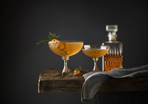 bebida coctel manhattan