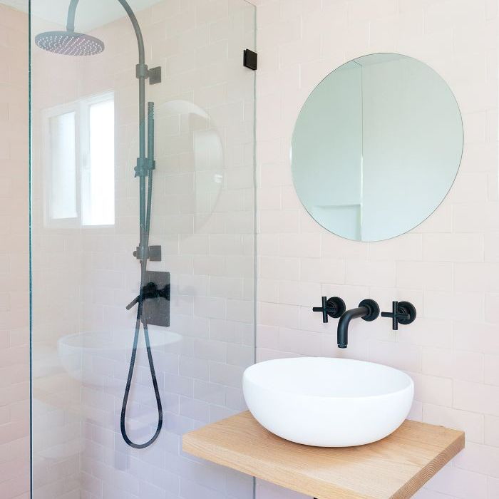 8 Practical Ideas for Small Showers (and What Not to Do)