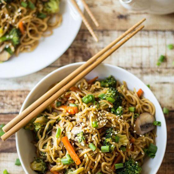 Chow Mein cargado de verduras