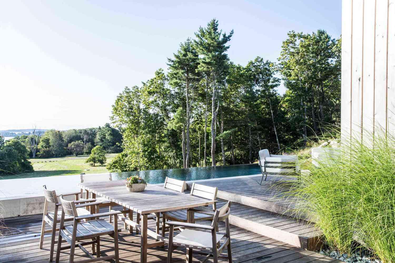 poolside decor ideas deck