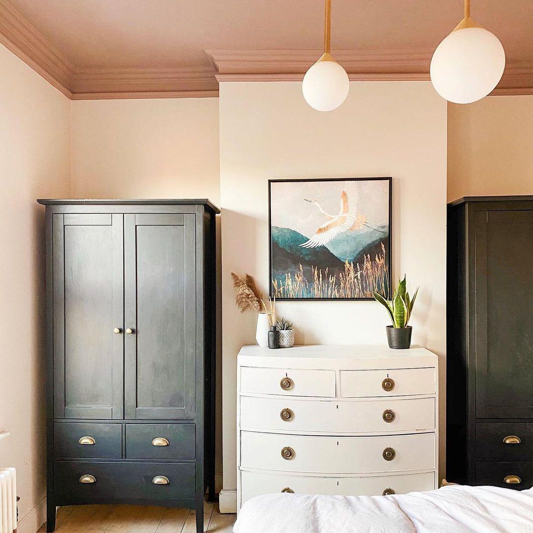 Tan painted ceiling in bedroom