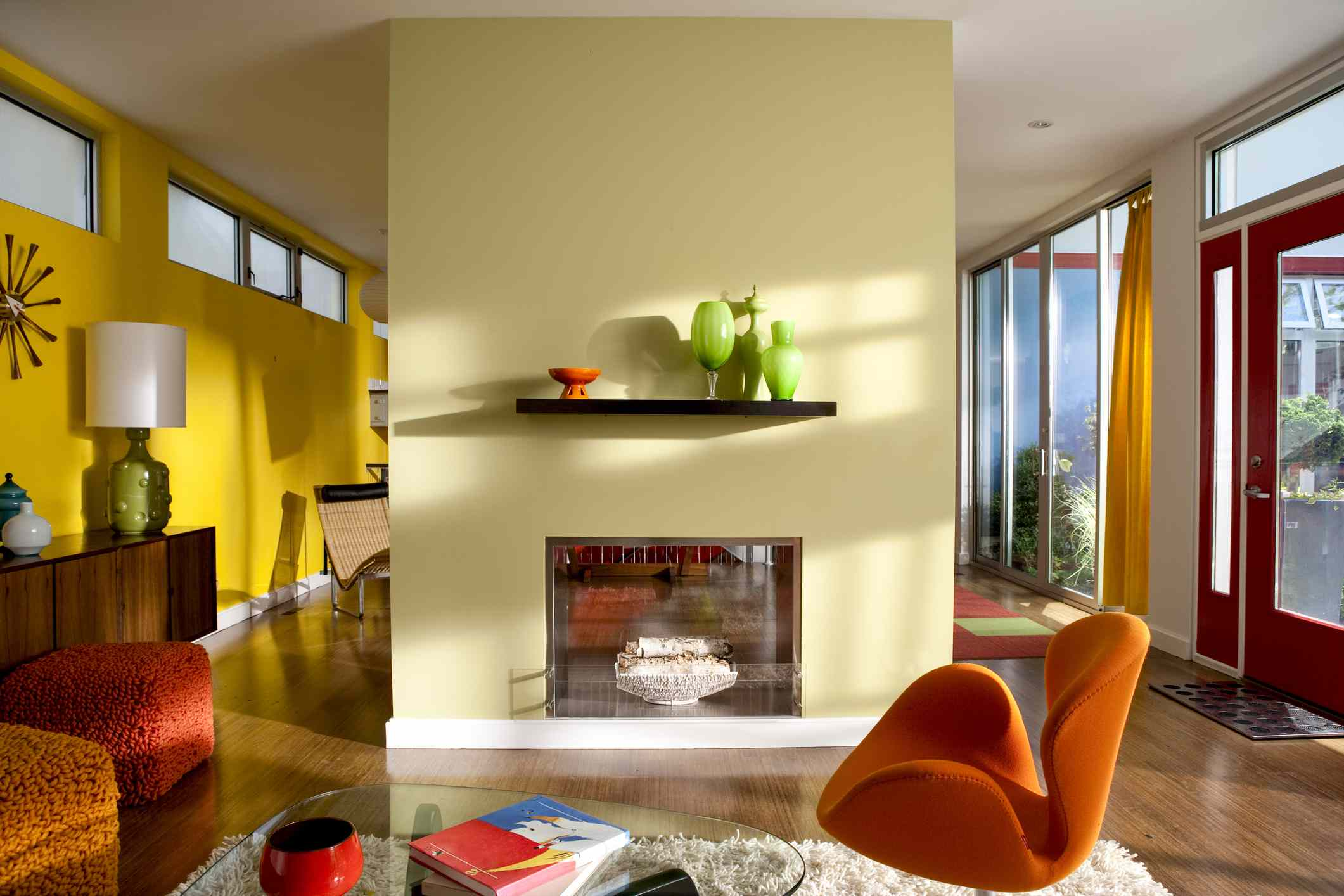 Pop living room in yellow orange and green
