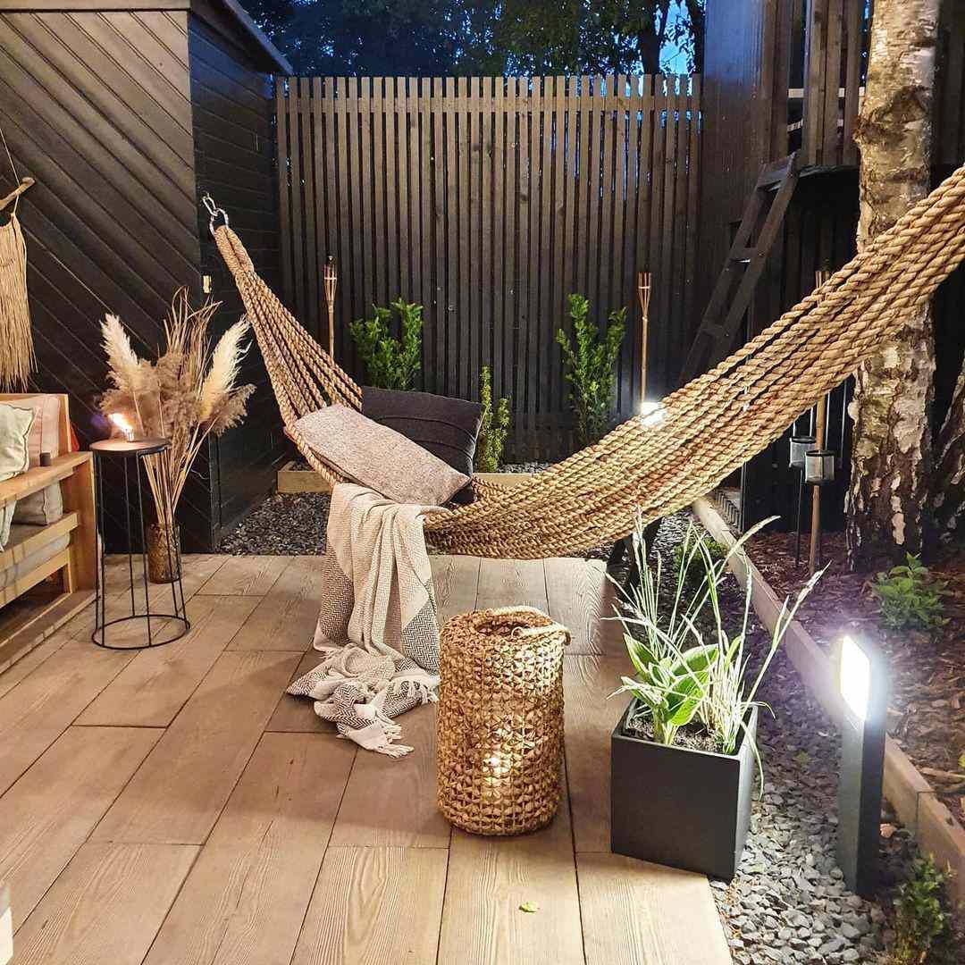 ann living apartment patio with hammock