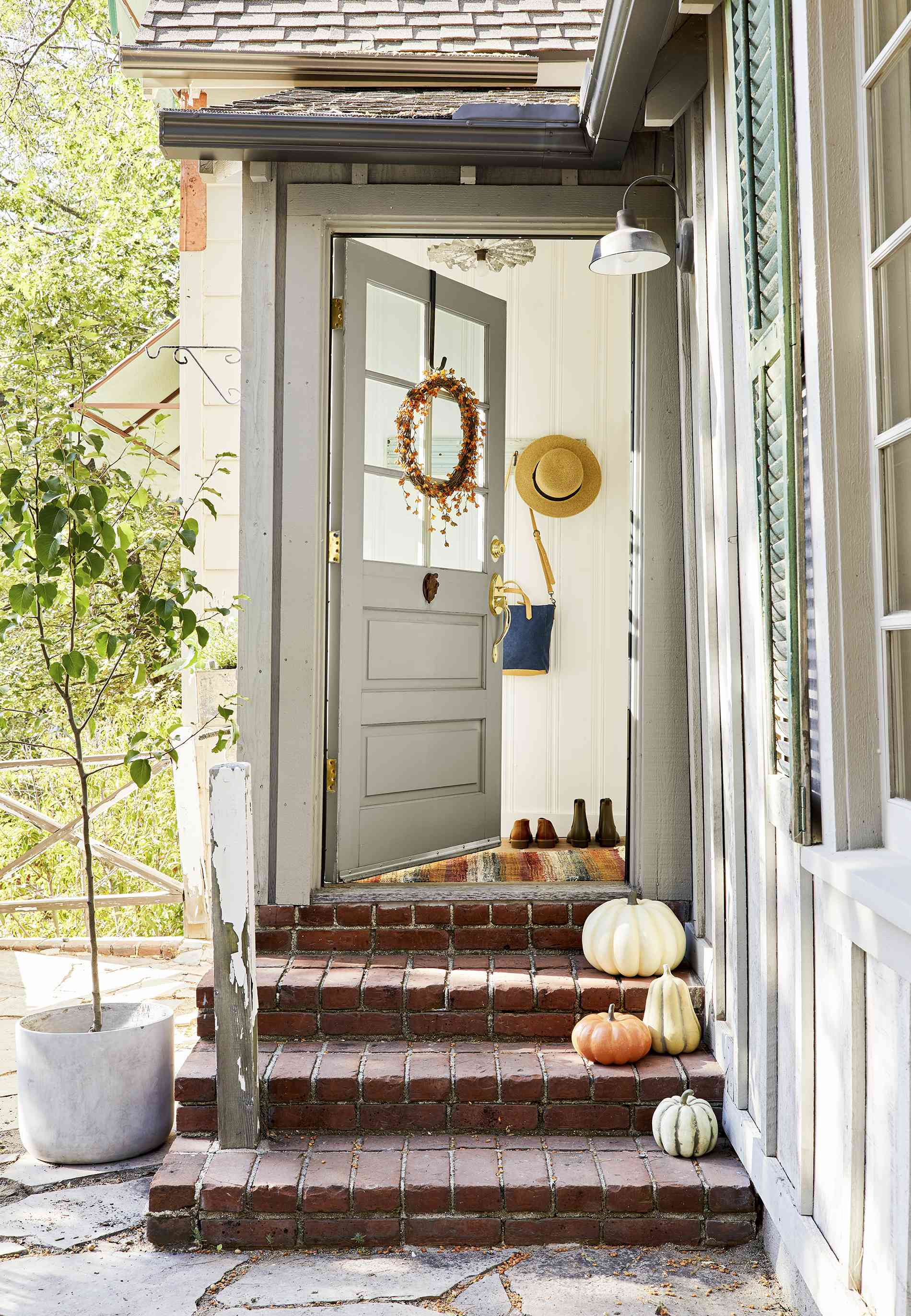 11 of the Prettiest Fall-Inspired Front Doors We Spotted on Instagram