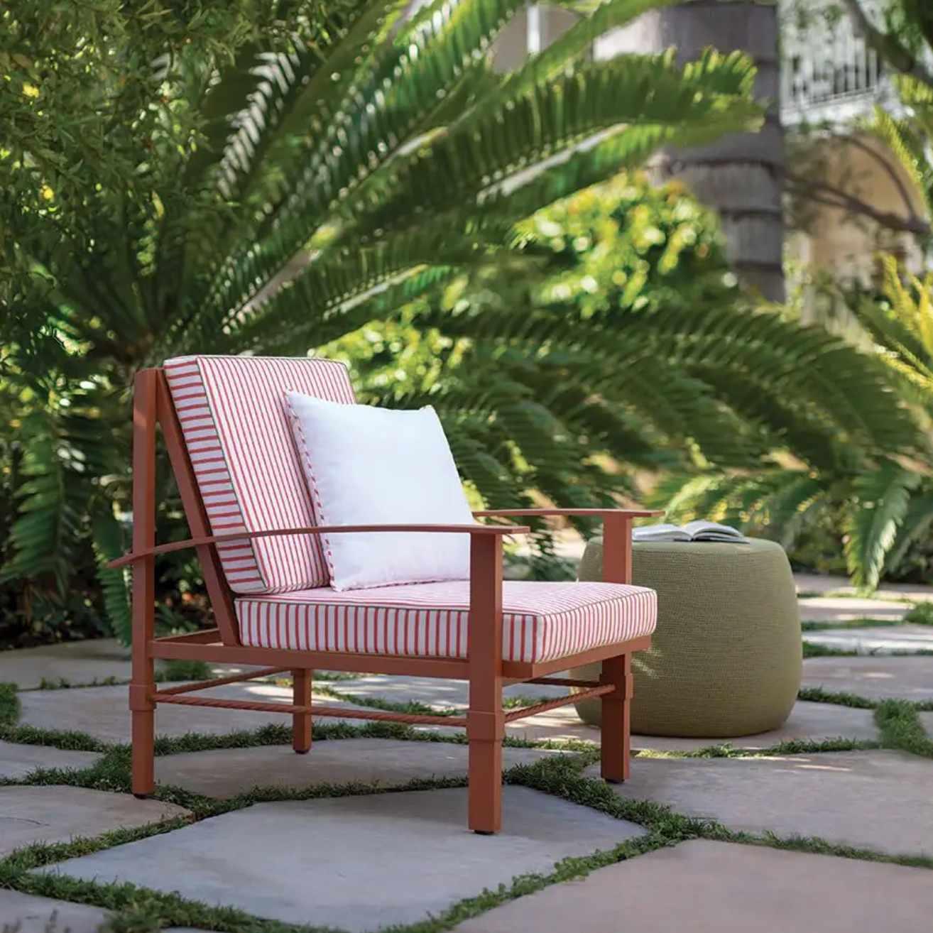Palmia Lounge Chair