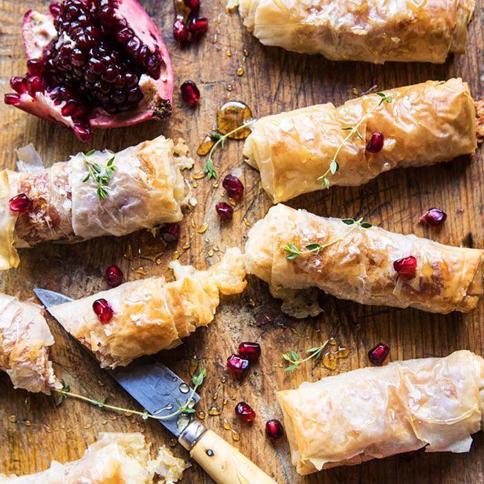 Aperitivos para el Día de Acción de Gracias - Rollos de brie y jamón al horno