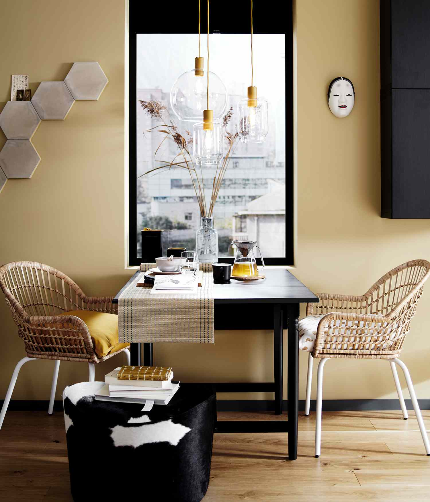 Rattan chairs in small space kitchen