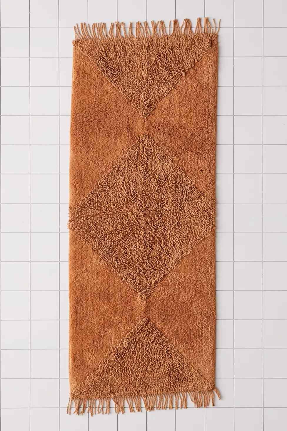 Rust runner bath mat