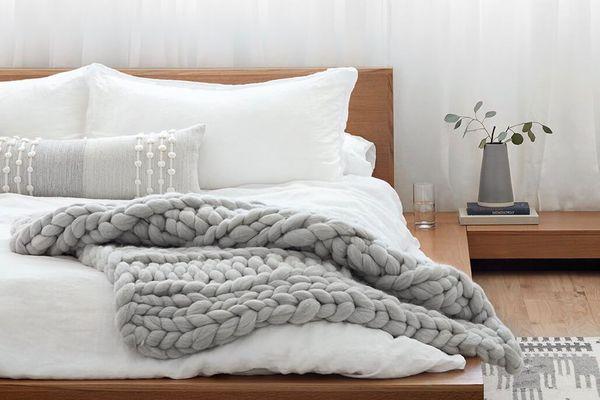 Nublado Wool Throw Blanket