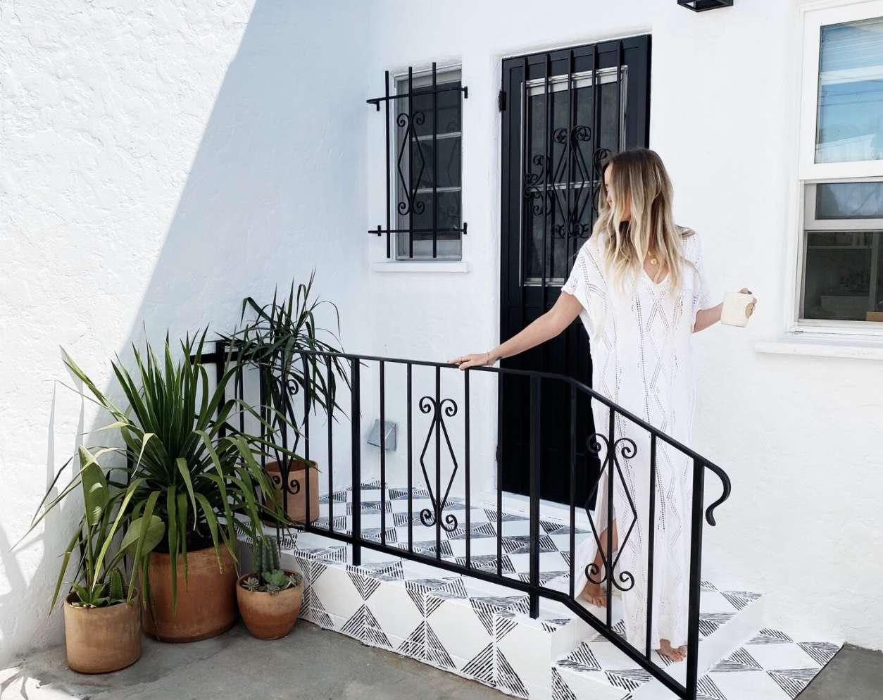blanco bungalow walkway painted