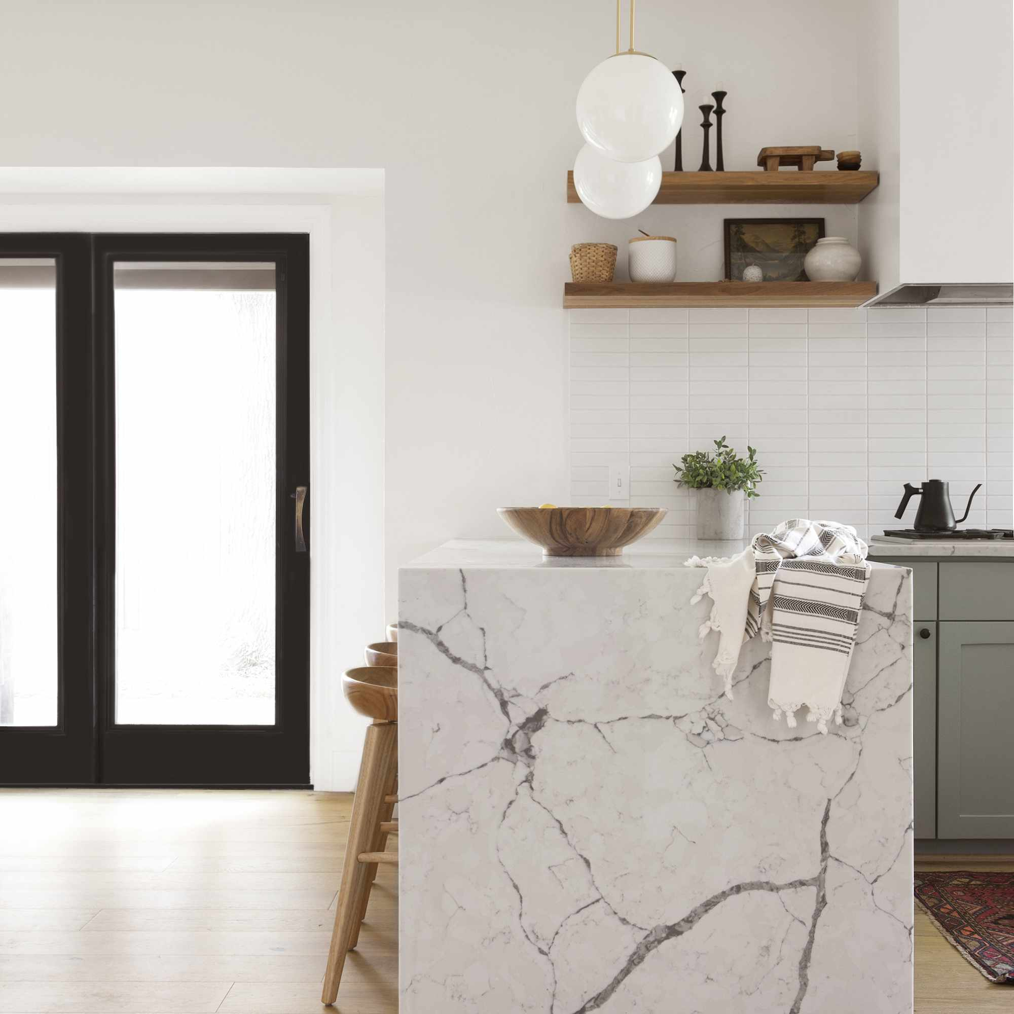 35 Marble Kitchens to Pin for Your Dream Board