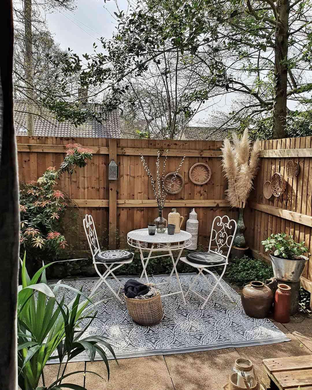outdoor party ideas patio set