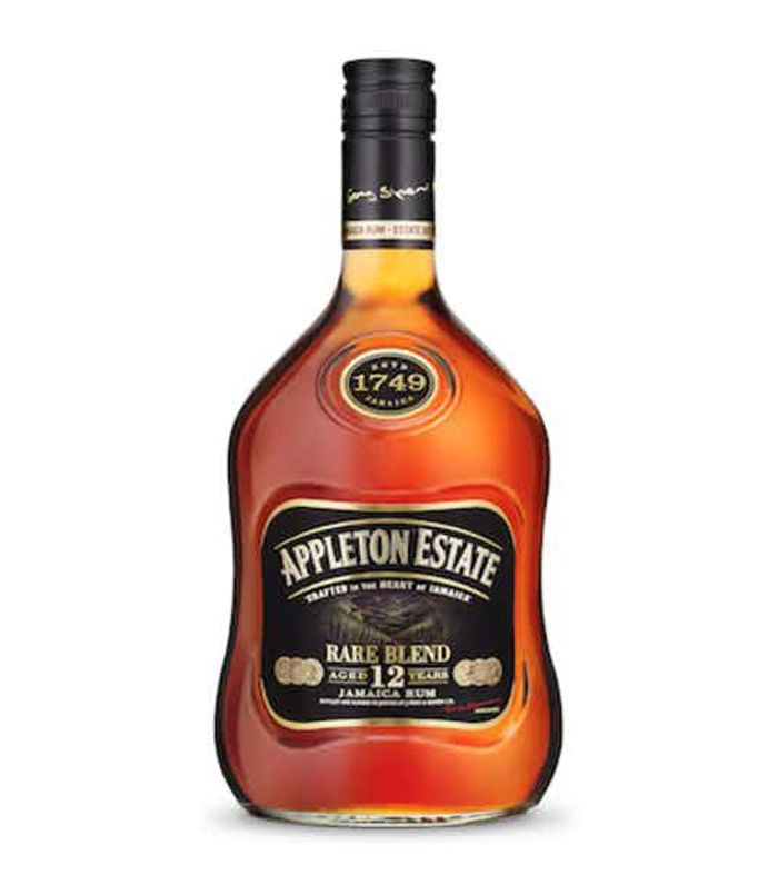 Una botella de Appleton Estate Extra 12 ron.