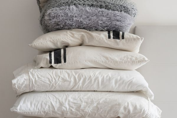 Pillows For A Minimalist Bed