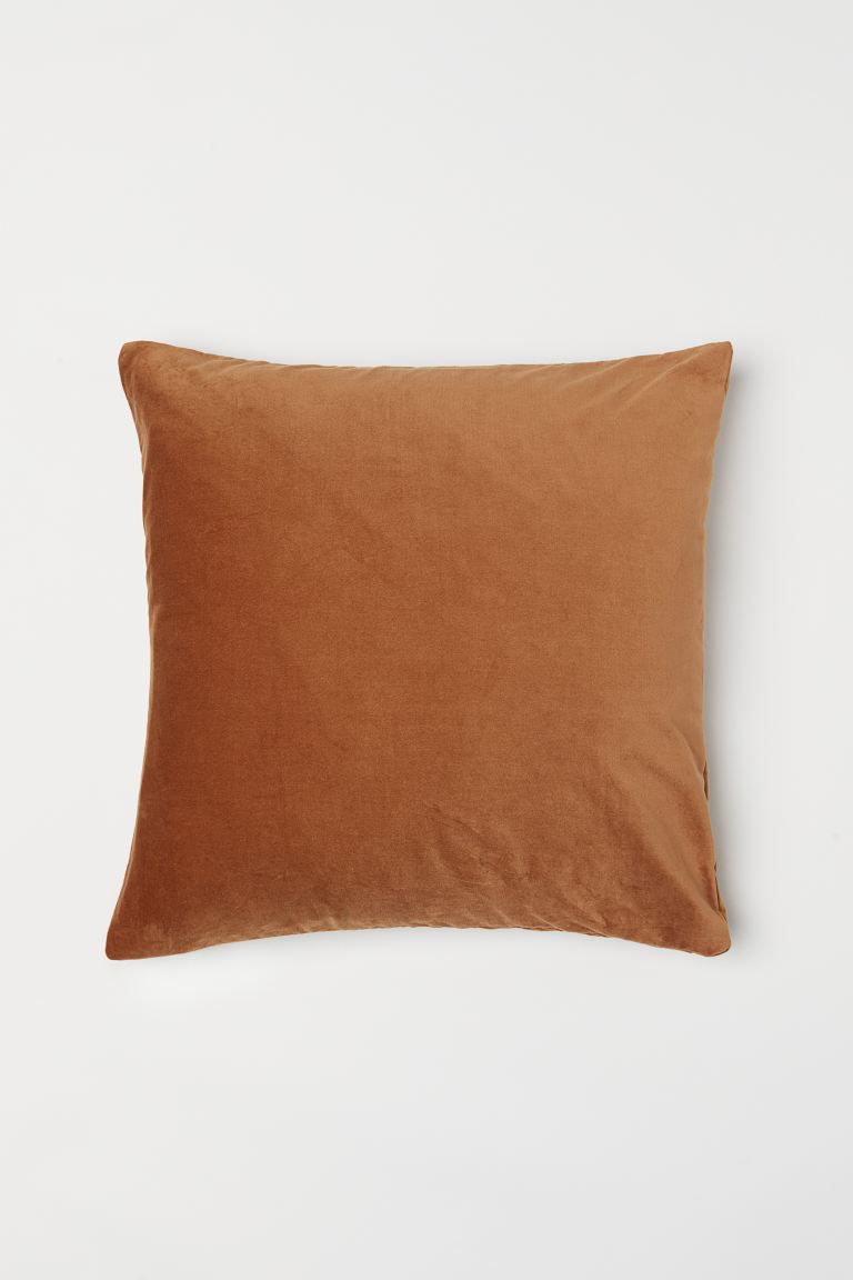 Cotton velvet cushion cover.