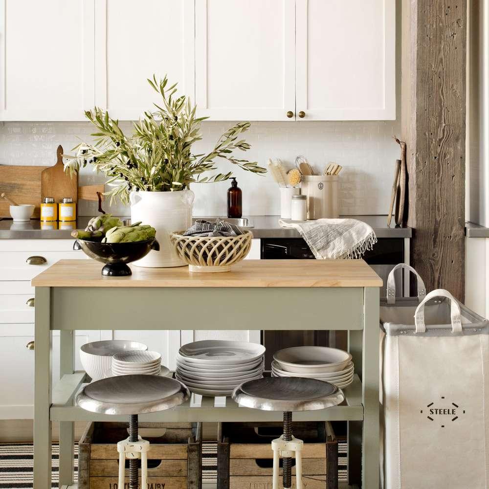 Loft kitchen with rolling kitchen cart island
