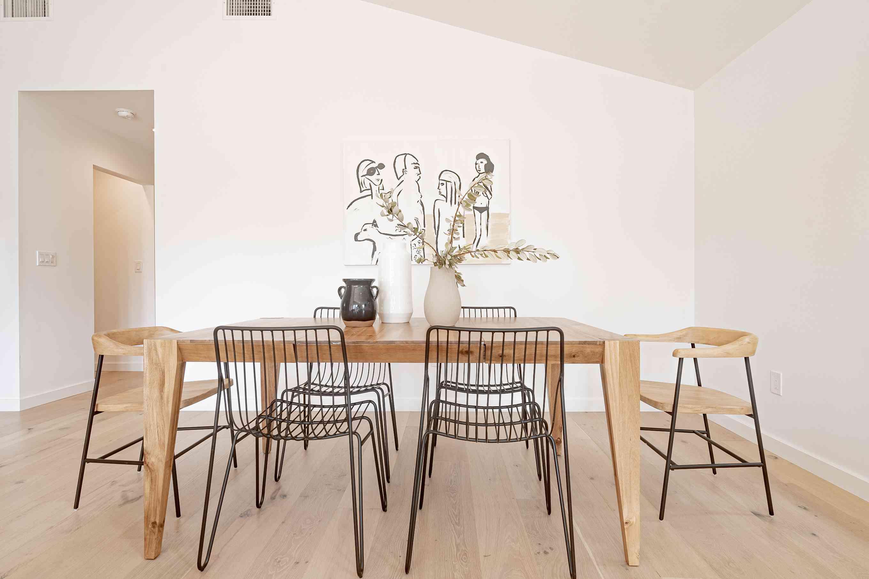 Minimal dining space