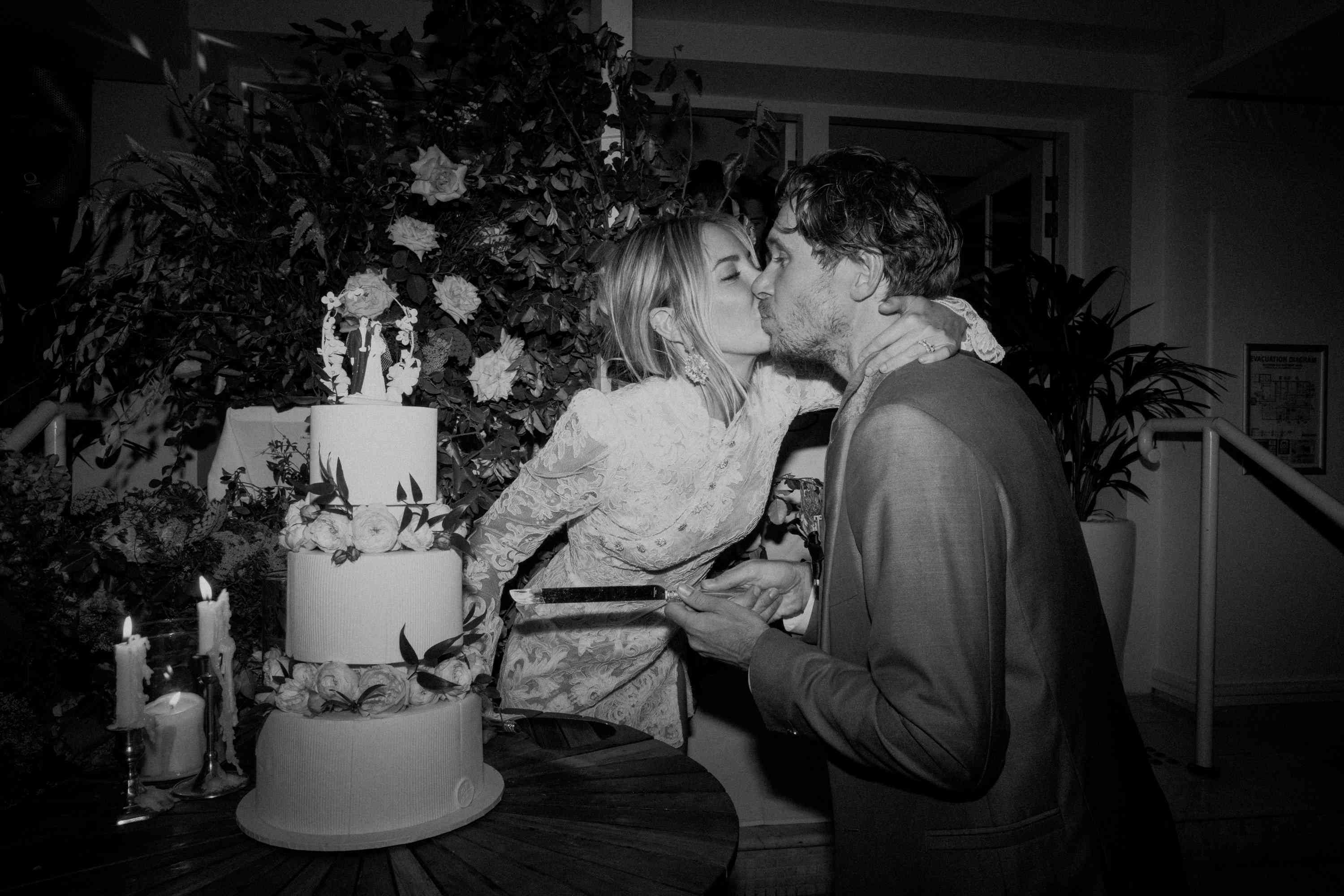 10 Of The Best Cake Cutting Songs