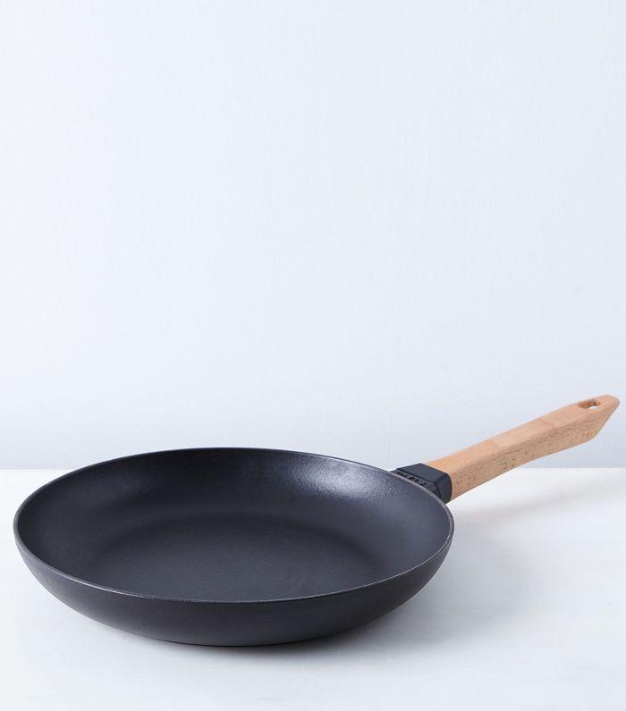 Staub Cast Iron Fry Pan with Beechwood Handle