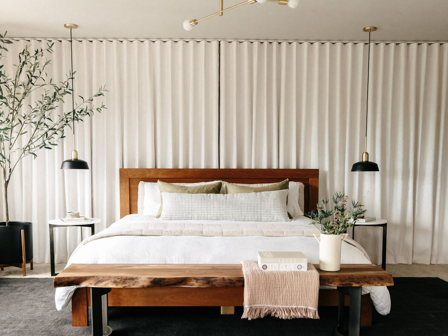 10 Modern Bedroom Ideas That Are Contemporary Yet Cozy