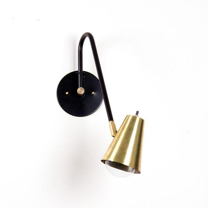 Una lámpara de Wallace cableada cuarenta y tres