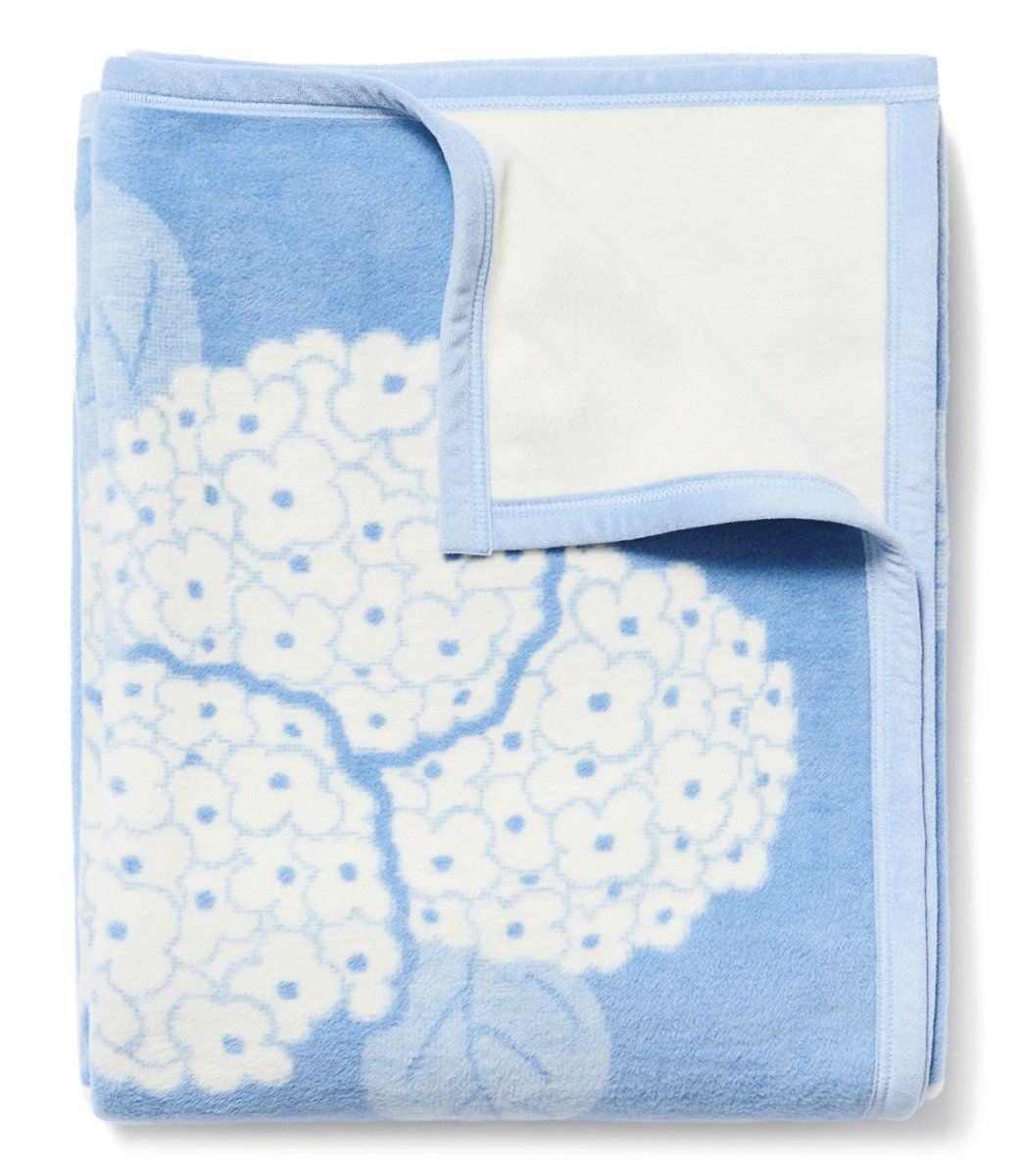 Hydrangeas Light Blue Blanket
