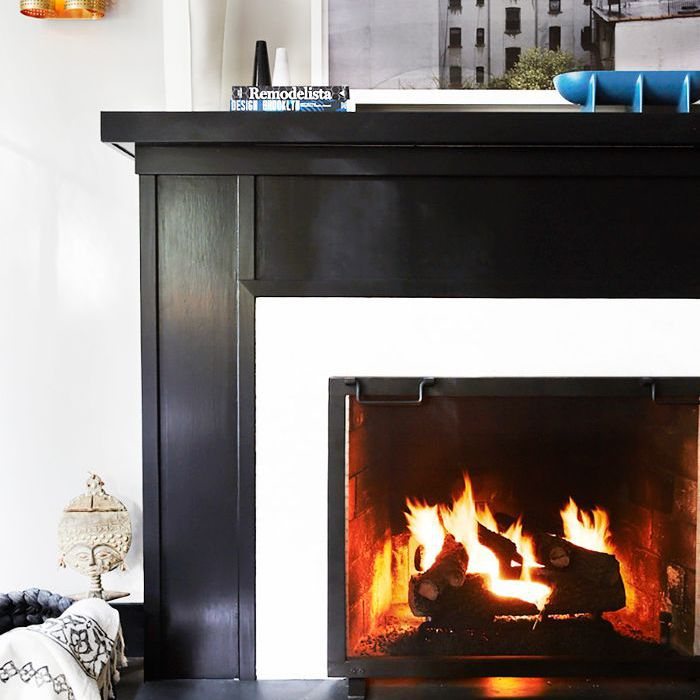Easy Cozy Home Ideas: Darkly painted fireplace