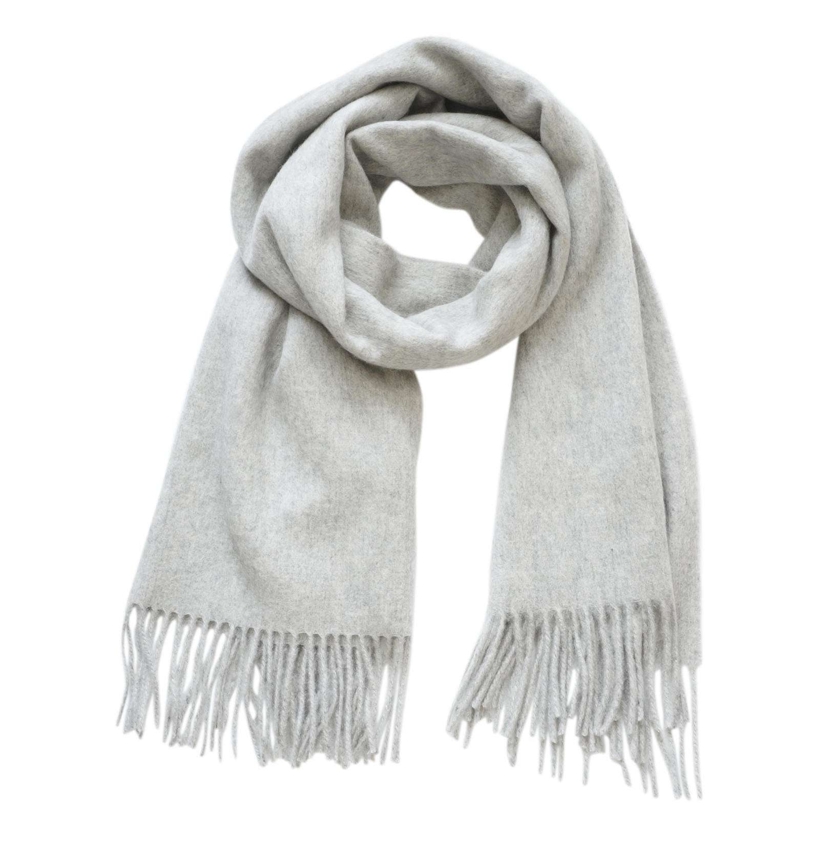 Bufanda de lana con flecos