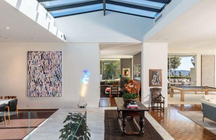 Ellen Degeneres Beverly Hills Home   Entryway