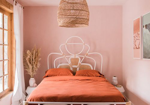 25 Adult-Friendly Pink Bedrooms