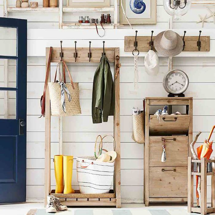 entryway with coats and other everyday items